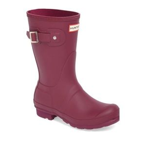 "Hunter ""Original Short"" violet matte rain boots"